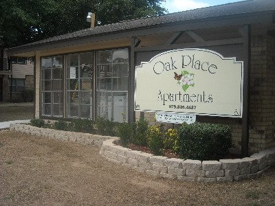 Oak Place Apartments