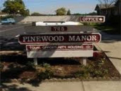 Pinewood Manor