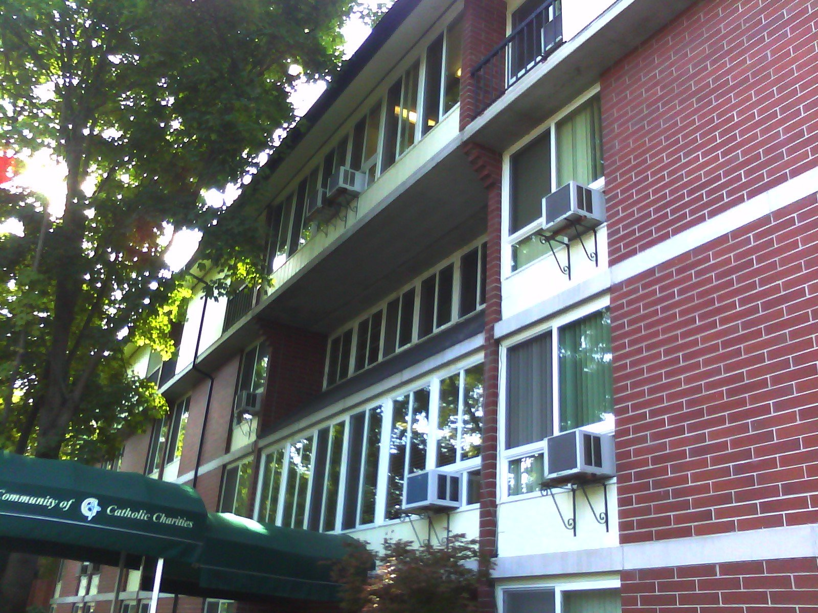 Fahy West Apartments