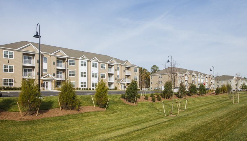 Laurel Oaks Apartments