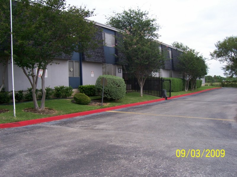 McMullen Square Apartments