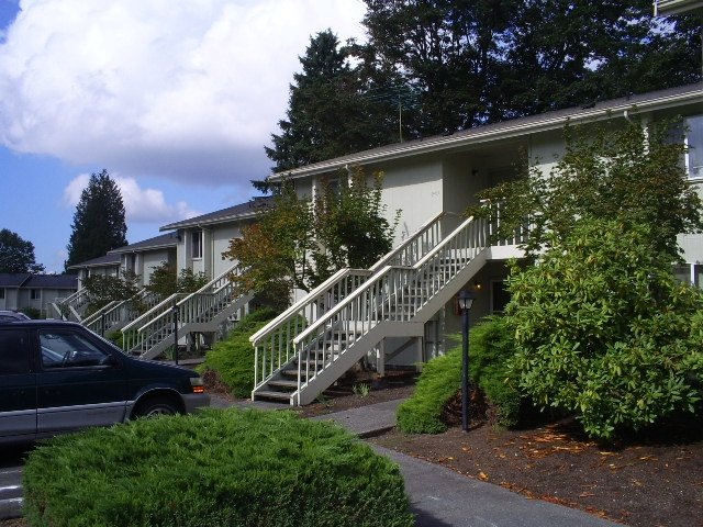 Benson east duplexes 10945 se 223rd street kent wa for 20 river terrace rentals