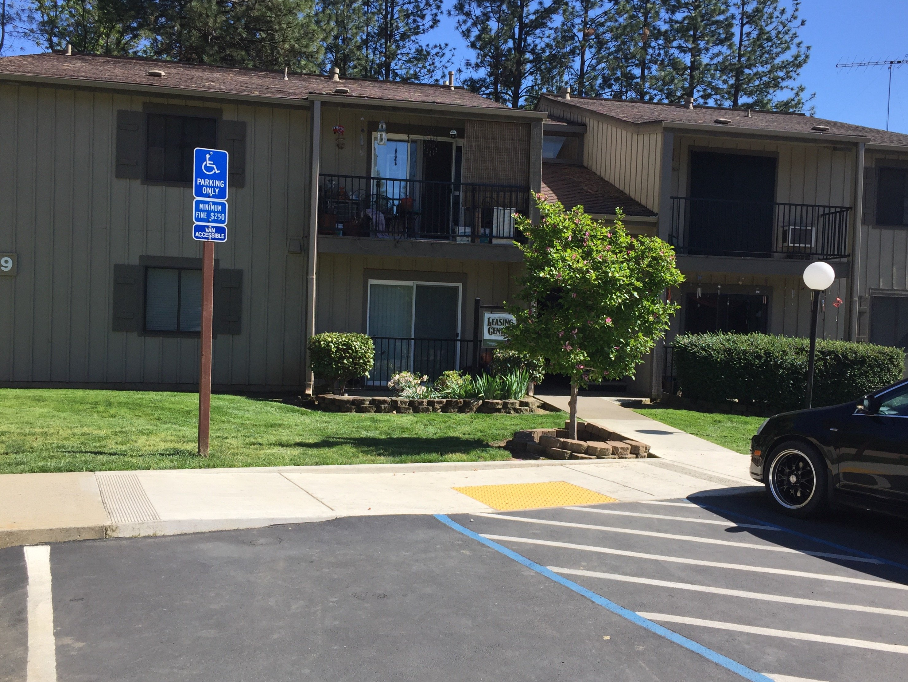 Sierra Commons Apartments