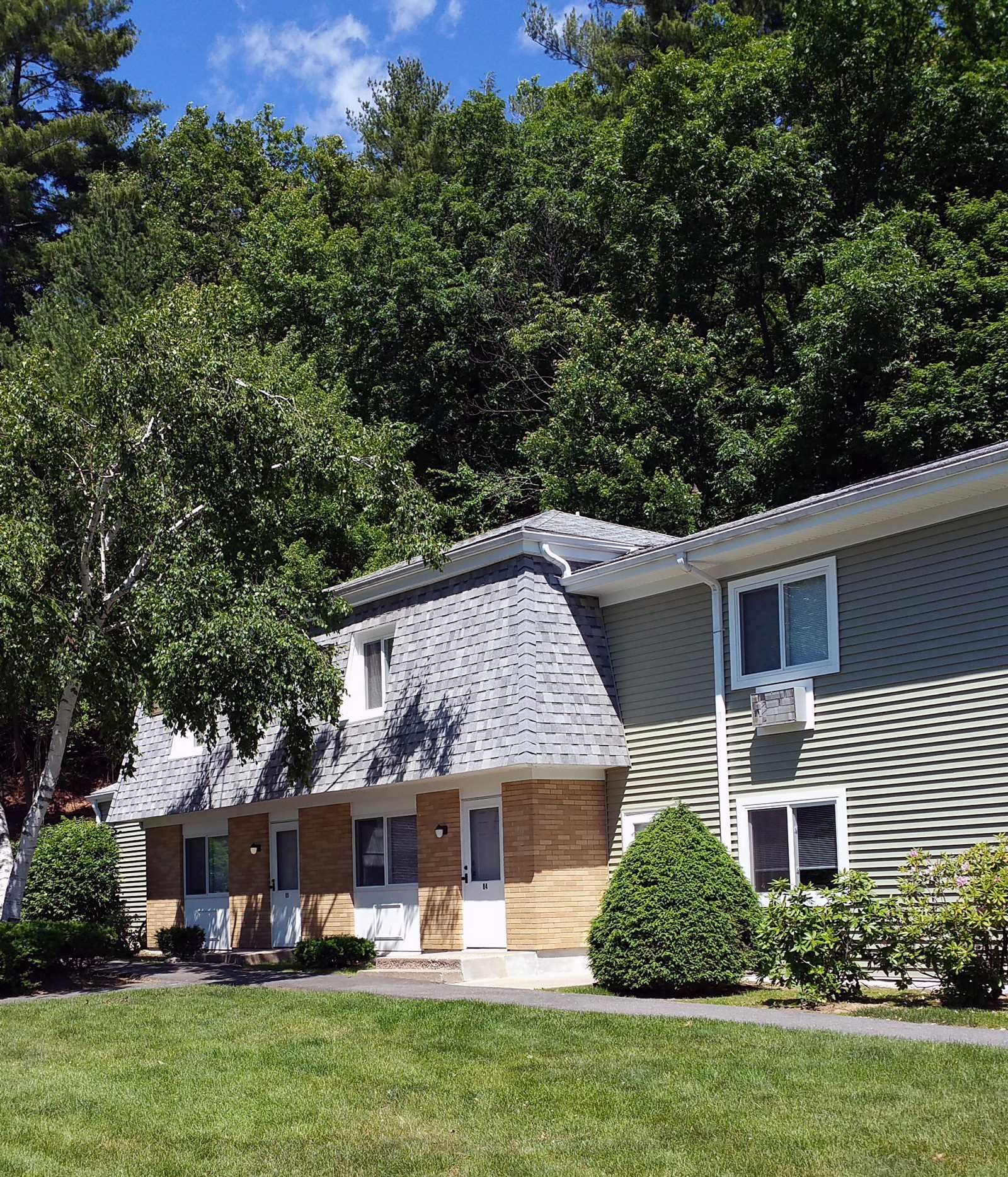 1A Rolling Green Dr., Amherst