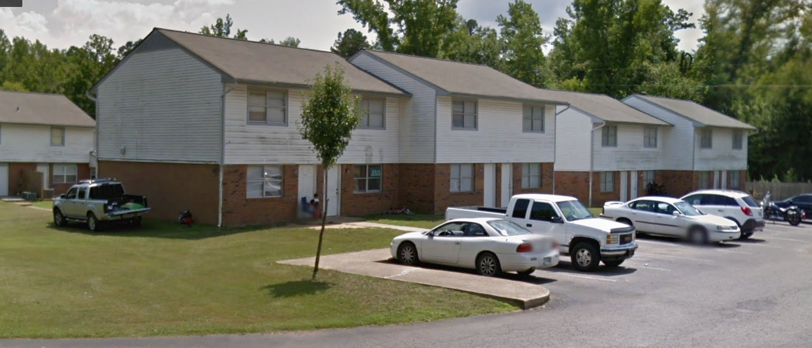 Selmer Townhouse Apartments